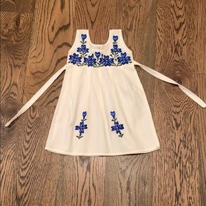 Precious dress hand made in Mexico. Size 2